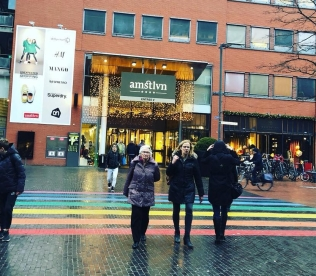 Pedestrian crossing path between the buildings of the amstlvn mall!