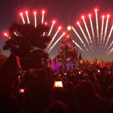 Disney Illuminations at Disneyland Paris closing show 🎆