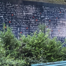 "Le mur des je t'aime. Featuring ""I love you"" in a variety of languages ❤️ Te amo!"