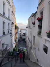 Going back down to the city center via Montmartre.